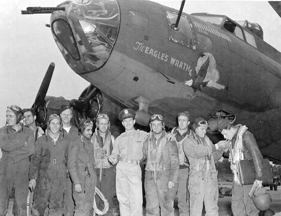 B-17F 'The Eagle's Wrath' and Crew