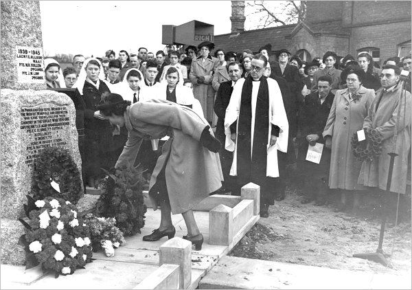 The Wimpole and Arrington War Memorial rededication service c1947